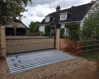manual-sliding-gate-cattle-grid