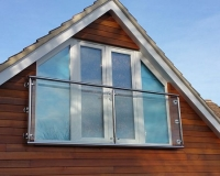 stainless-balcony-with-glass-w640h480