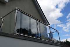 stainless-steel-glass-balcony