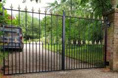 new-forest-estate-gates